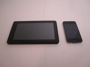 Kindle Fire vs iPhone 4