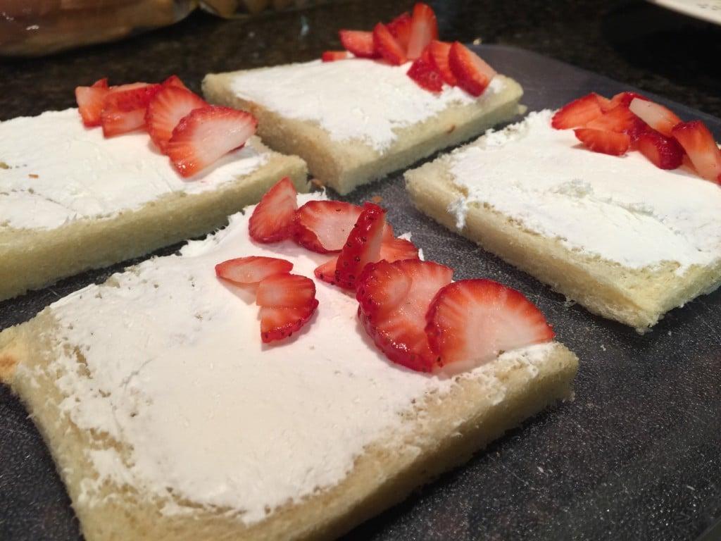 french toast cream cheese strawberries